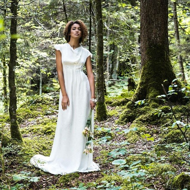 #editorial #fashion #slowfashion #sustainable #handmade #swissmade @stadtsg @appenzellerland #waterfall featured by @institutemag @seam_fashion_design @fabiogloor @mathilda_toyloy #silk #wedding #weddingdress #seamdesign.ch #silkscreenprinting by @tdstextildruckerei #stgallen #styling by @elly_______