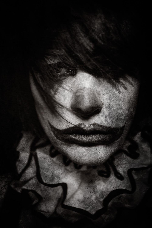 Portfolio_Clownville_Darknes.jpg