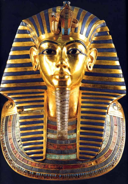 Burial mask of King Tutankhamun, circa 1327 BC Image courtesy  albertis-window.com