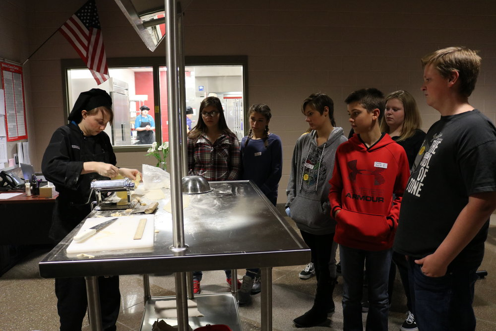 VWMS students tour Vantage's culinary arts program.