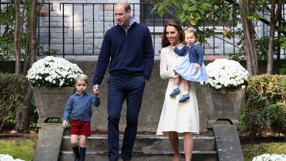 The-Duke-and-Duchess-of-Cambridges-third-baby-has-arrived.-1366x768.jpg