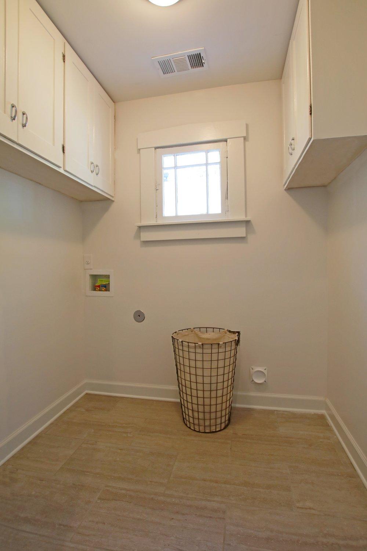 Prime Design Memphis, LLC - White Laundry Room, Gray Tiles