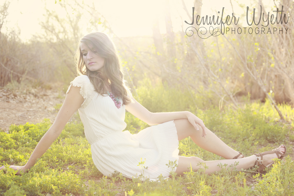 arizona senior girl in grass