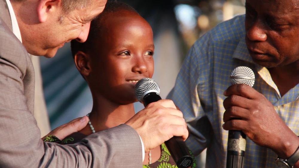 Tanzania_2015_Bukoba_Festival2_CamB_75.MOV.00_01_10_10.Still001.png