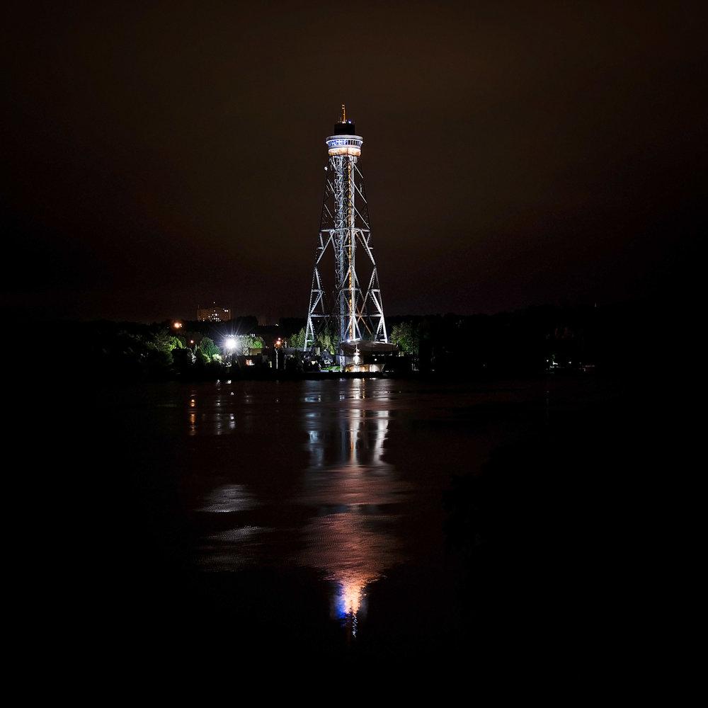 La Cité de l'énergie la nuit