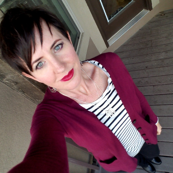 Check out my weekly outfits as a busy stay-at-home mom of 6 kids, fall style. Bold colors, bold lips, classic and edgy style. Dressing Your Truth Type 4 DYT T4 T4/3. Fall outfits.