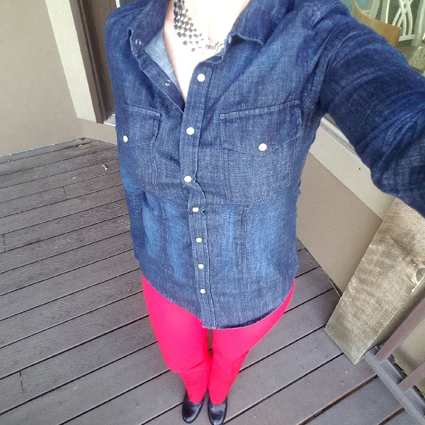 Bold everyday style from a busy stay-at-home mom of 6 kids, spring style. Bold colors, bold lips, classic and edgy style outfits. Dressing Your Truth Type 4 DYT T4 T4/3. Spring outfits