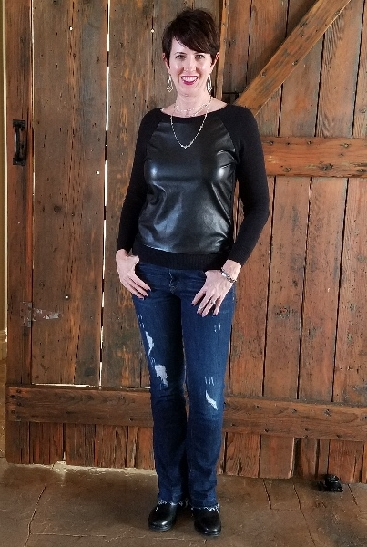 Stunning Style. Bold everyday style from a busy stay-at-home mom of 6 kids, spring style. Bold colors, bold lips, classic and edgy style outfits. Dressing Your Truth Type 4 DYT T4 T4/3. Spring outfits