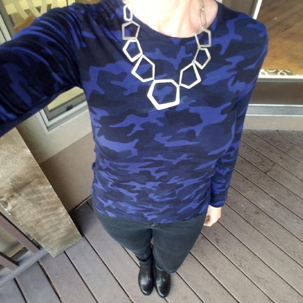 This cobalt and blue camo tee was an amazing find, and I love the sporty classic vibe it brings to my outfit.