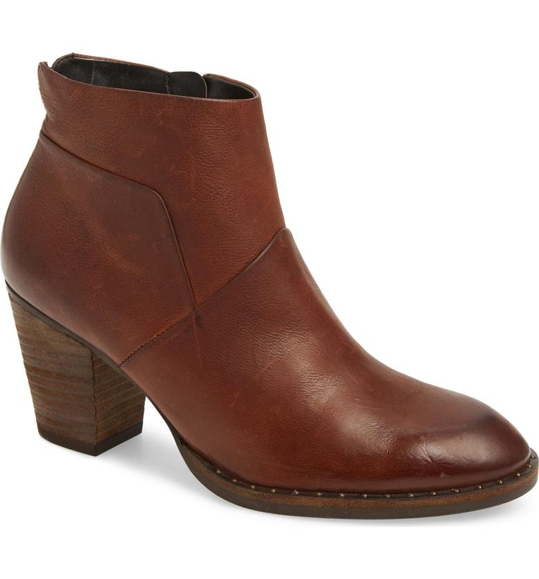 Brown boots.jpg