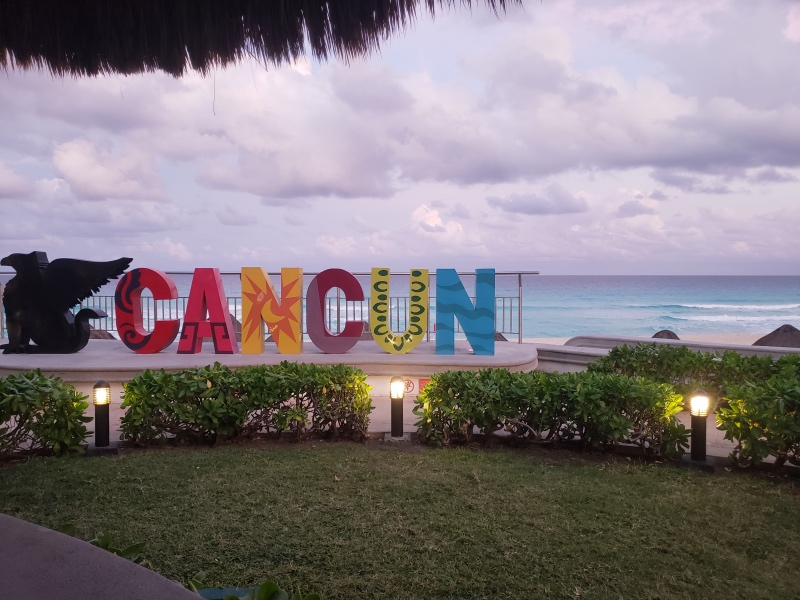 If you are off to Cancun or some other warm-weather beach destination, and you're not sure what to wear at the resort, I've got your packing list! During the day it was all swimsuits and casual, but at night it's fun to dress up a little more for dinner. Check out what I wore in Cancun in January!