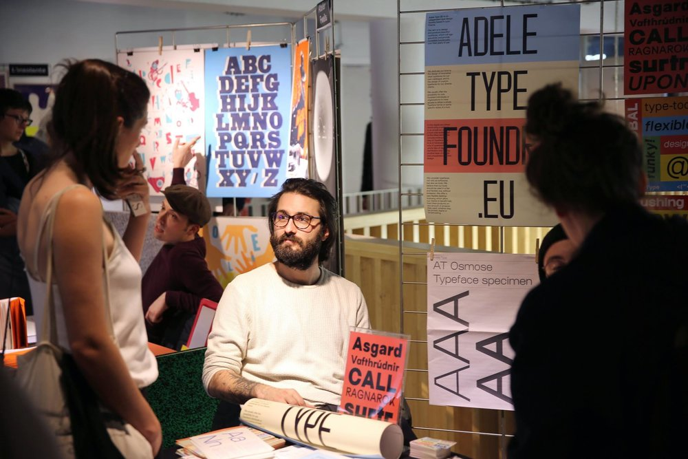 Adele Type's Matthieu Salvaggio at Campus Fonderie de l'Image's Puces Typo 7 event. Photo by Margot Mourier, Morgan Földi & Thomas Sudan