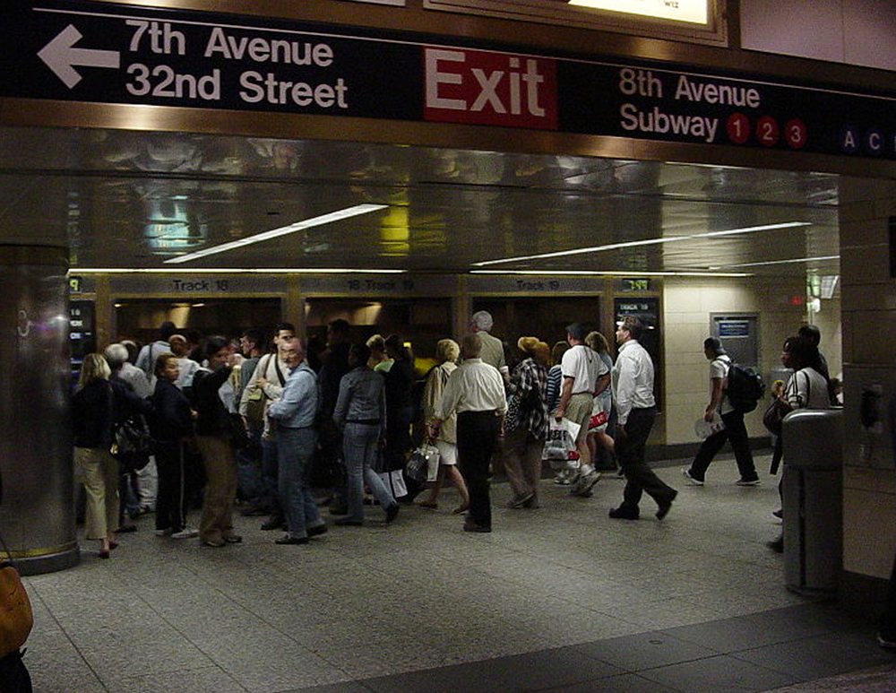 - Penn station crowds combined with a poorly designed infrastructure causes thousands of lost commuters to aimlessly navigate through the underground maze on a daily basis before boarding their train.