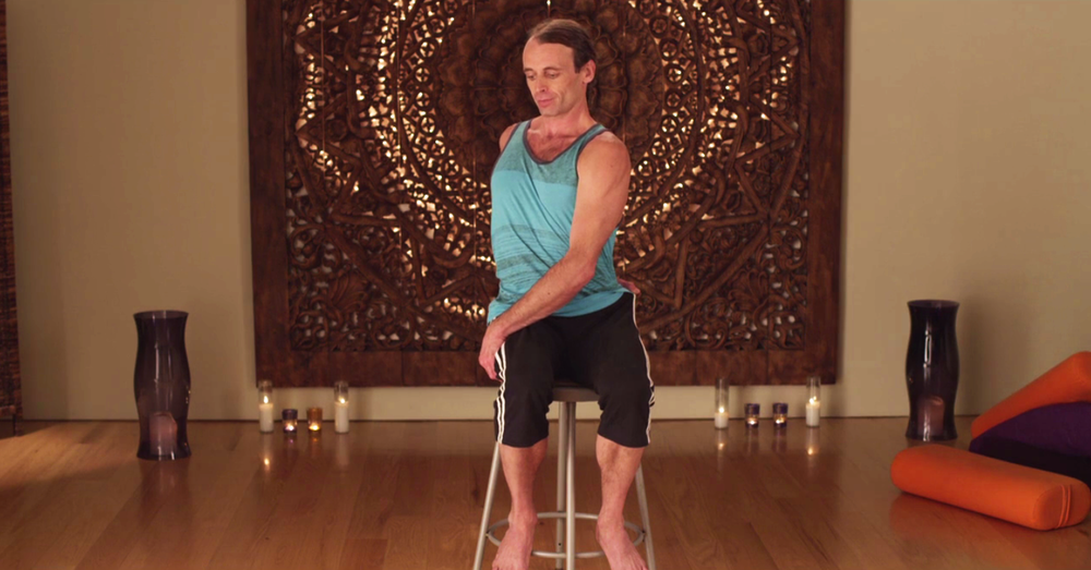 GUIDED MID BACK PAIN RELIEF VIDEOS  Stretching, strengthening, and rotating your side muscles, lower back, and shoulders to help create space and relax the mid-back.