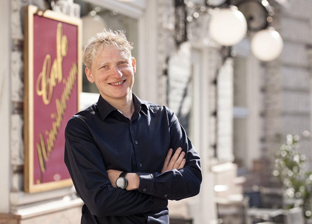 Thomas Tiroch, Cafe Ministerium