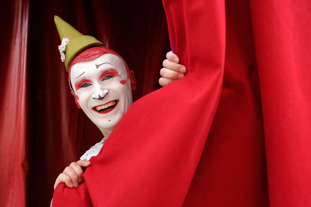 Gensi Mestres, Circus-Clown