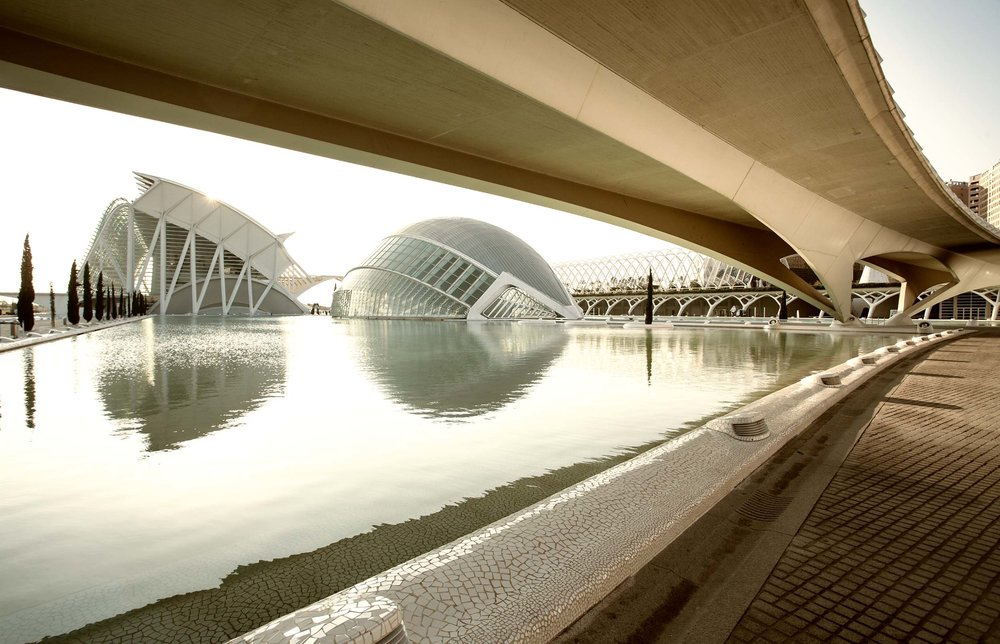 calatrava_city_of_science_scrsh7433_2500_492K.jpg