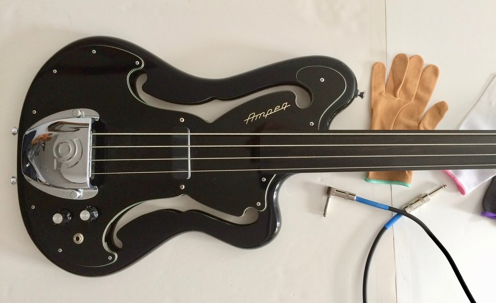 My Ampeg AUB-1 Fretless Bass Guitar 1969
