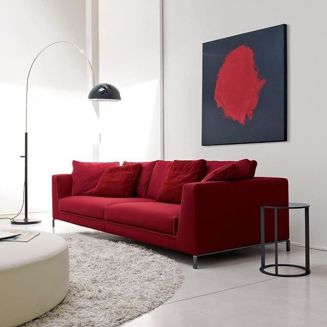"Simple elegance and a touch of ""red""...bold, brave and beautiful..so inspiring❤️#red#luxuryhome #simpleliving #elegance #interiordesign"