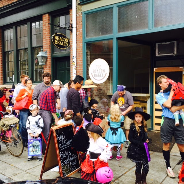 beacon-hocus-pocus-halloween-parade-beacon-bagel.jpg