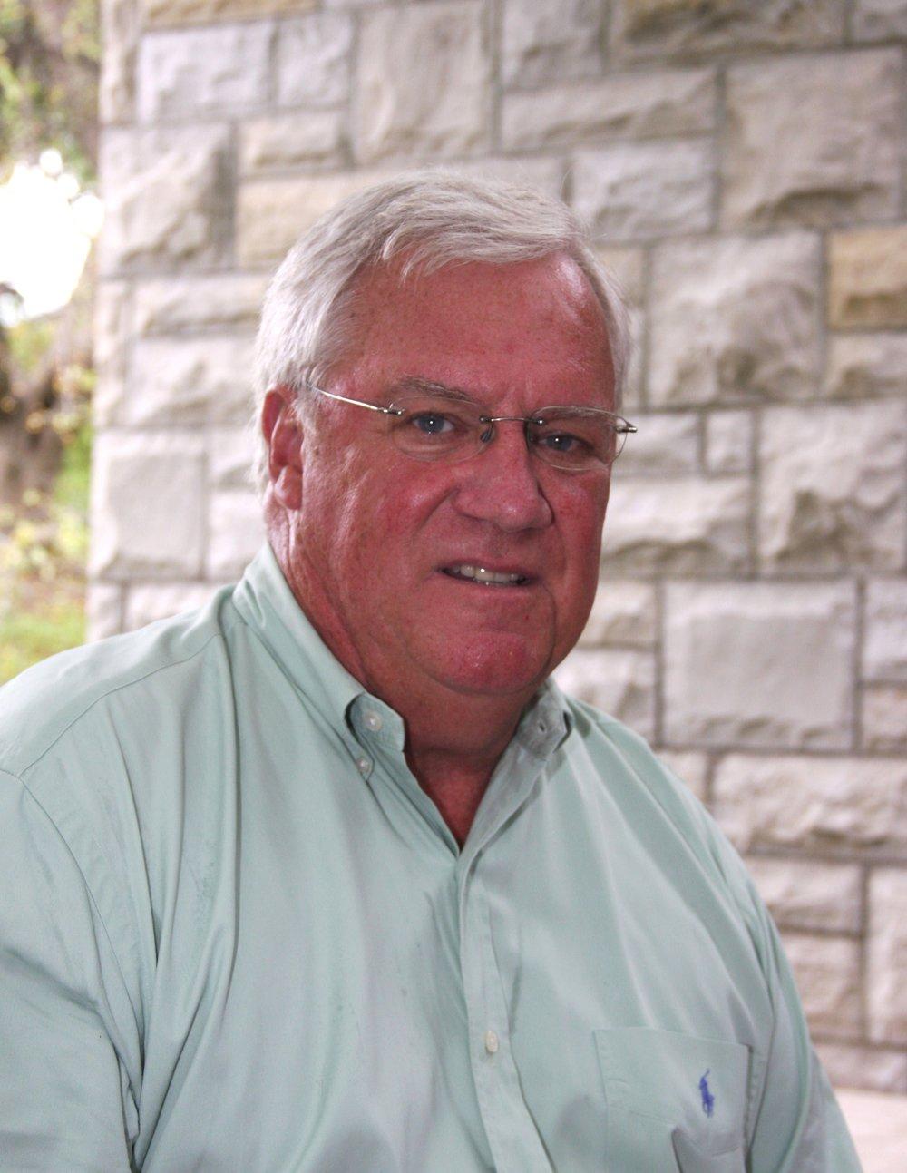 Dr. Charles Kiddler Miembro de la Junta Consultiva