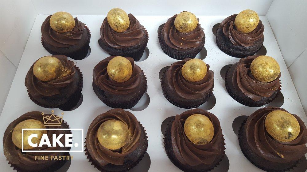Dozen Cupcake