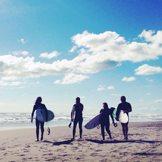 Surfing with friends  #Muriwai #muriwaibeach #waitakere #auckland #newzealand #surfing #beach #surfinglife #beachlife #friends #fun