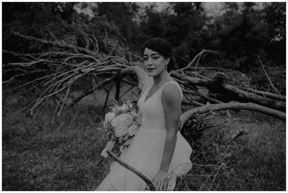 minimalistic bride