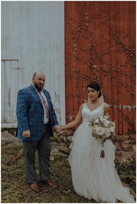 barn wedding photos