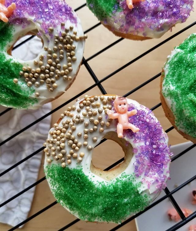 King (cup)cakes! Happy early Mardi Gras from the least Hitler-y of the babies that I could find. . . . #mardigras #kingcake #donuts #bakeddonuts