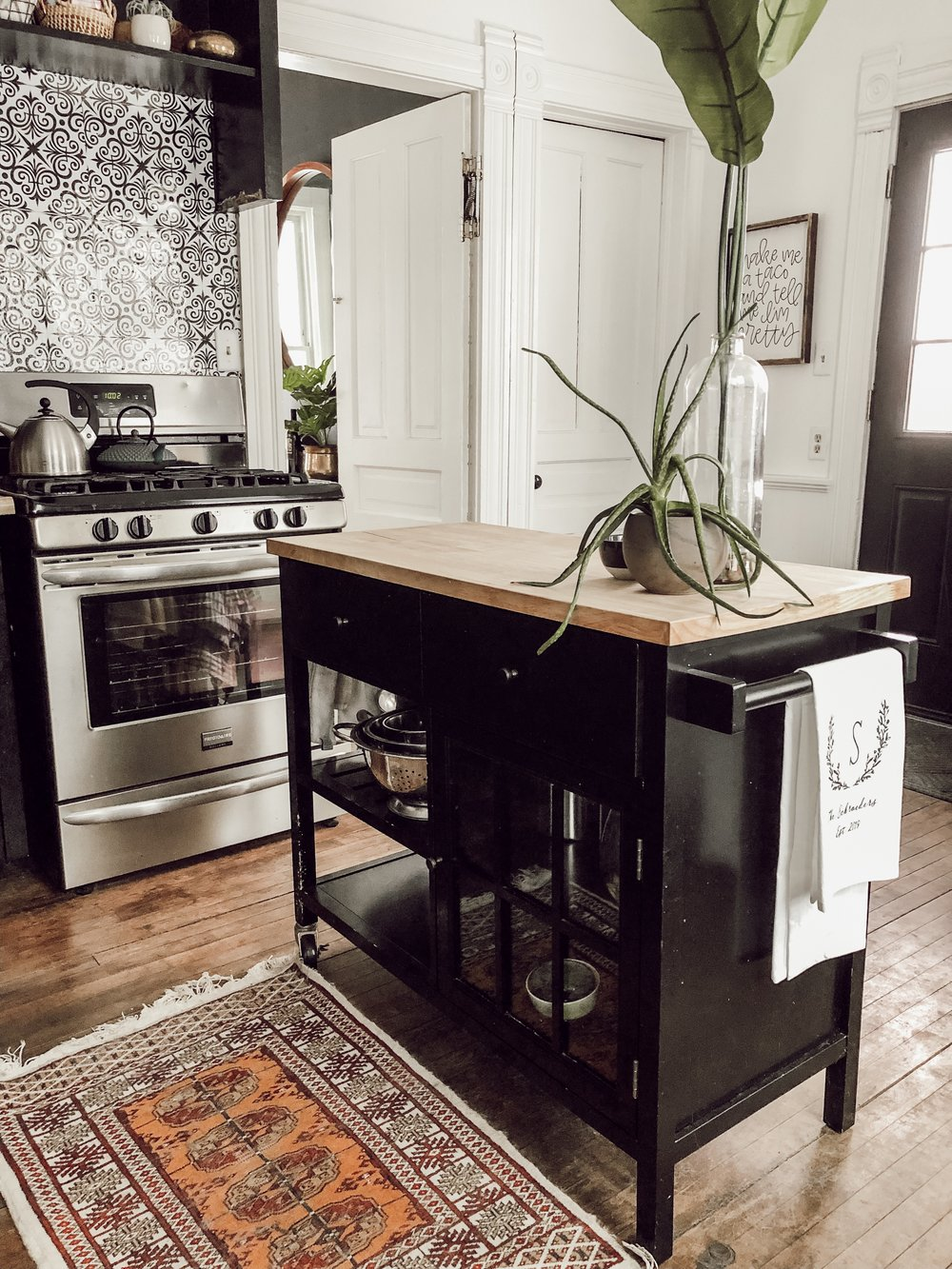 Black and White Kitchen | Miranda Schroeder House Tour