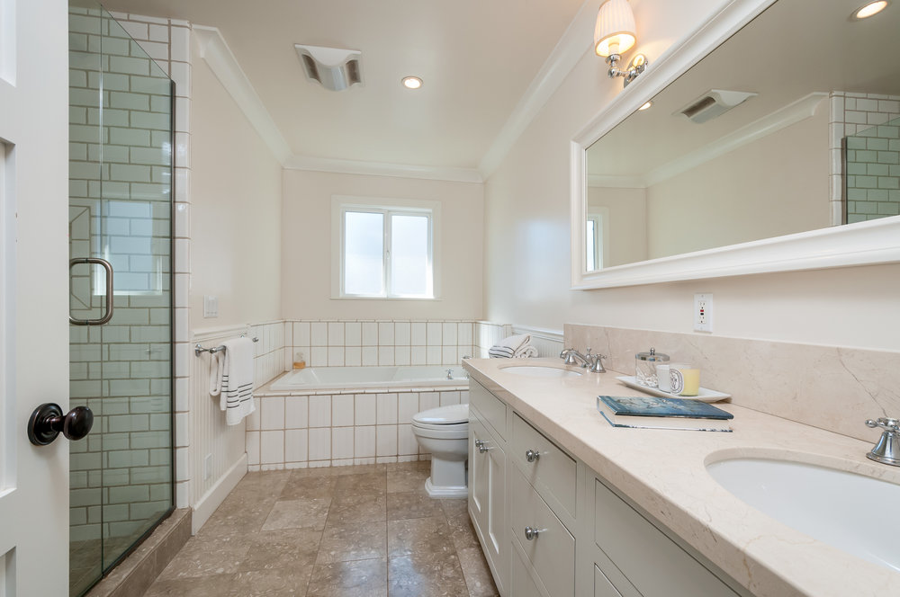 833_cordilleras_ave_MLS_HID1109901_ROOMbathroom2.jpg