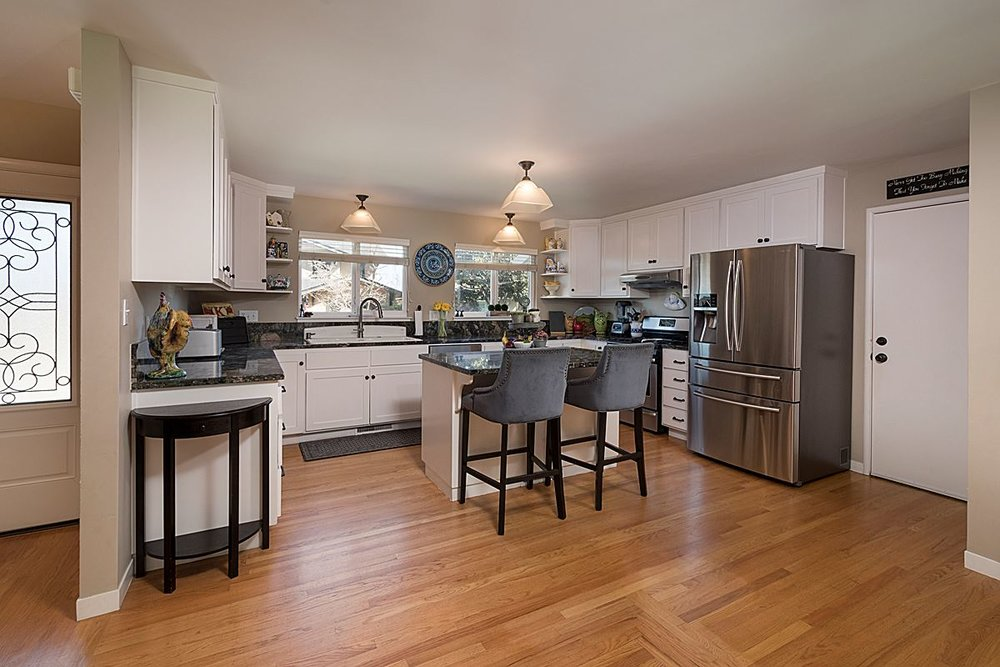 kitchen_1200.jpg