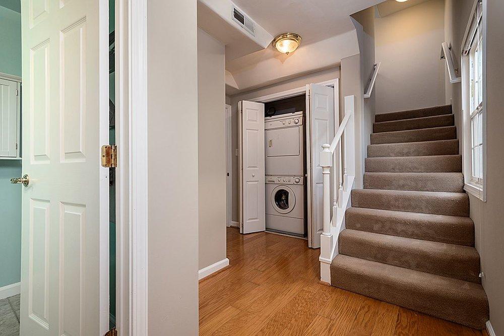 hallwayandlaundry_1200.jpg