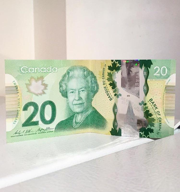 5Canadian money.jpg