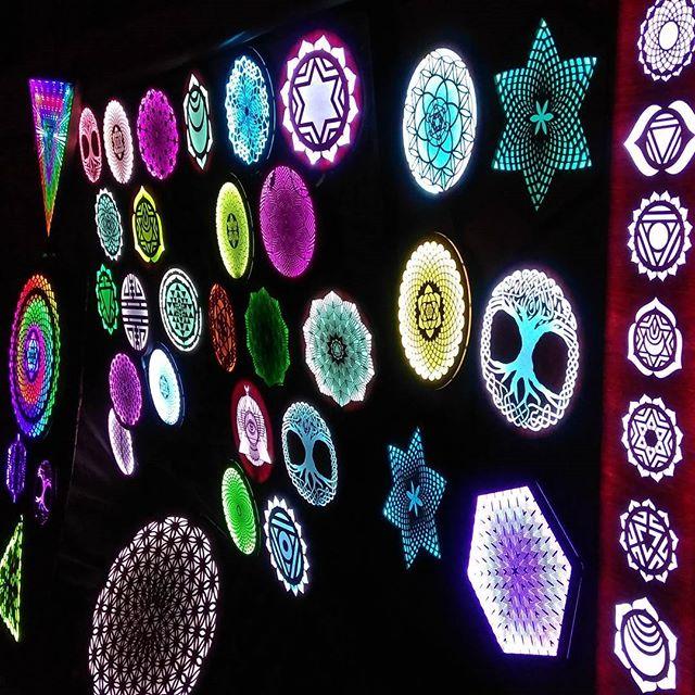 💜 Gem & Jam festival 🔥  #infinitebloom #treeoflife #art #artist #artislife #artistsofinstagram #led #ledart #sacredgeometry #illumination #burningman #thatthinginthedesert #industwetrust #visionaryart  #symbiosisgathering #edm #techno #rave #life #festival #lightninginabottle #gemandjamfestival #deserthearts #lucidityfestival #sonicbloom #edc #beyondwonderland #psychedelicart #chakra #untz