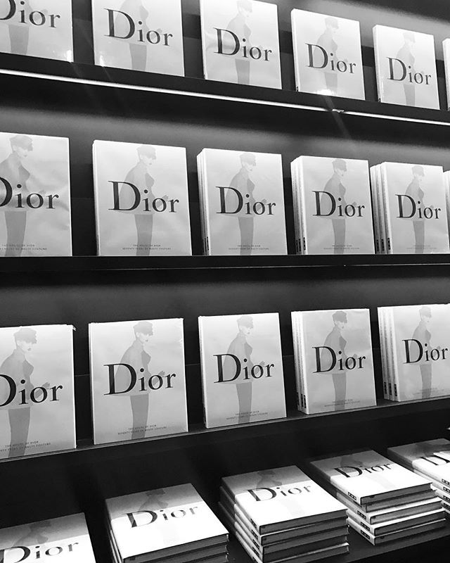 A must for the @dior enthusiast. It's so mind blowing to see how fashion has changed over time and old designs are forever making a modern comeback #dior