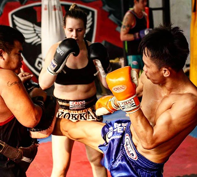 And so the student becomes the teacher... 🤔😆 #champion #fightcamp #fighter #muaykhao #muaythai #nakmuay #fagroupmuaythai #infightstyle