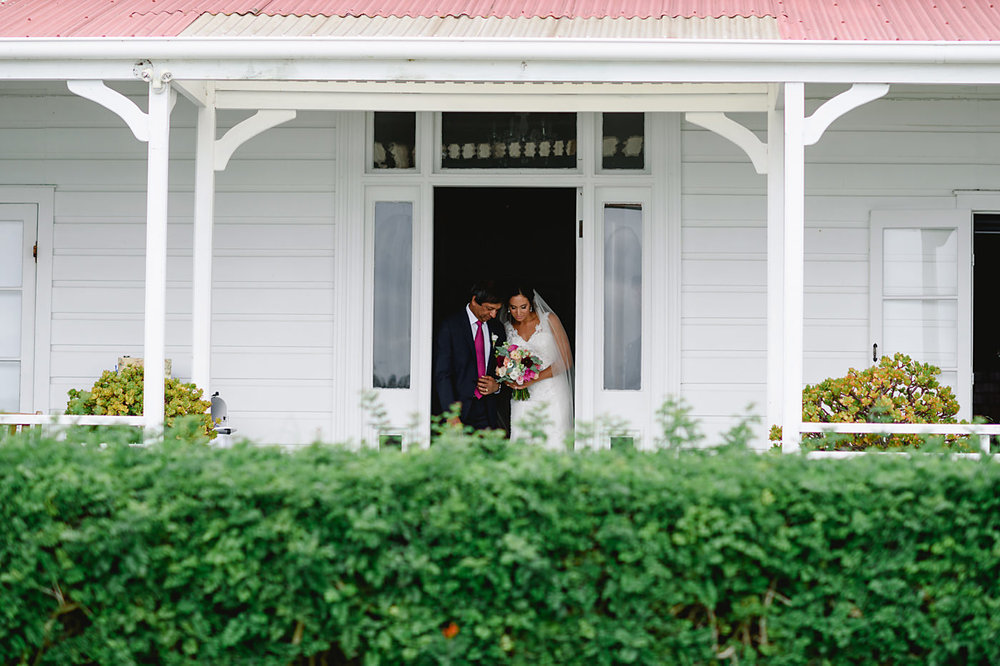 oakura_bay_waiheke_island_wedding_photos