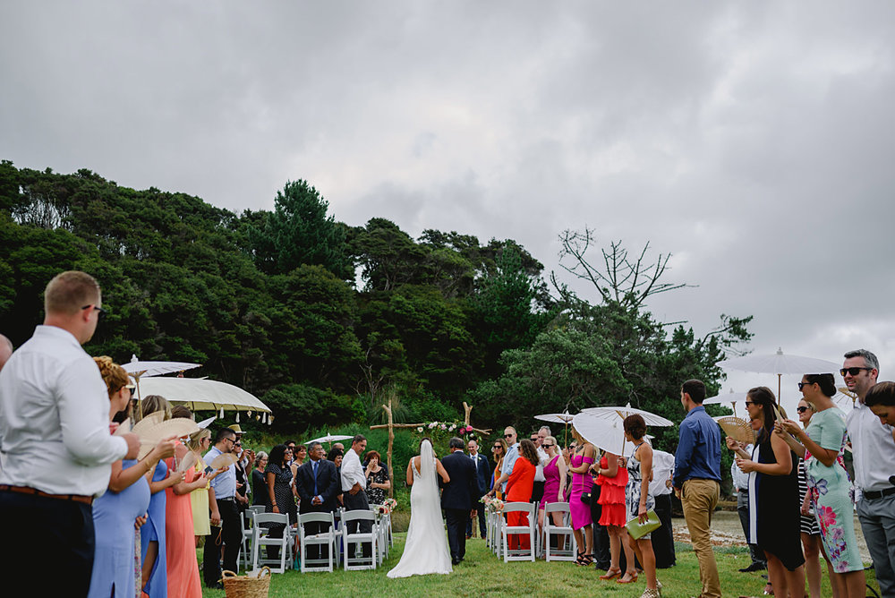 oakura_bay_waiheke_island_wedding_photos1046c.jpg