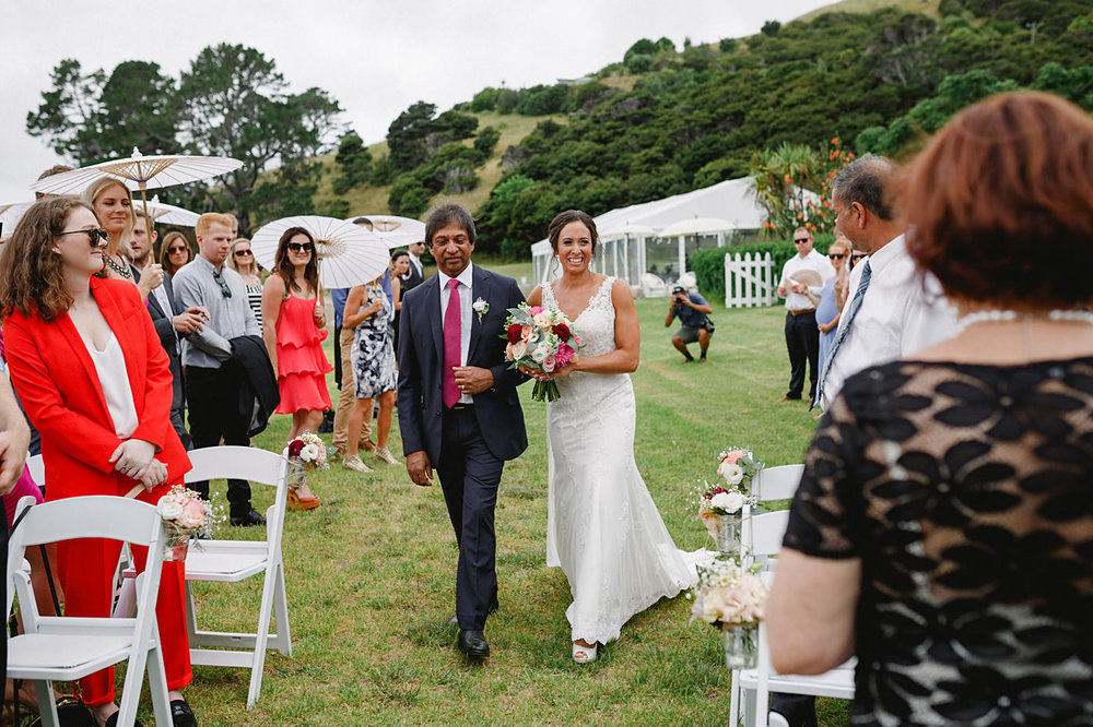 oakura_bay_waiheke_island_wedding_photos1046b.jpg