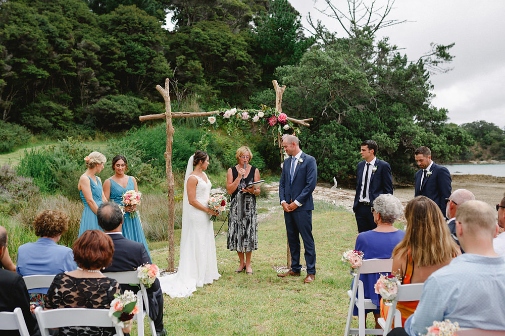 oakura_bay_waiheke_island_wedding_photos1047a.jpg