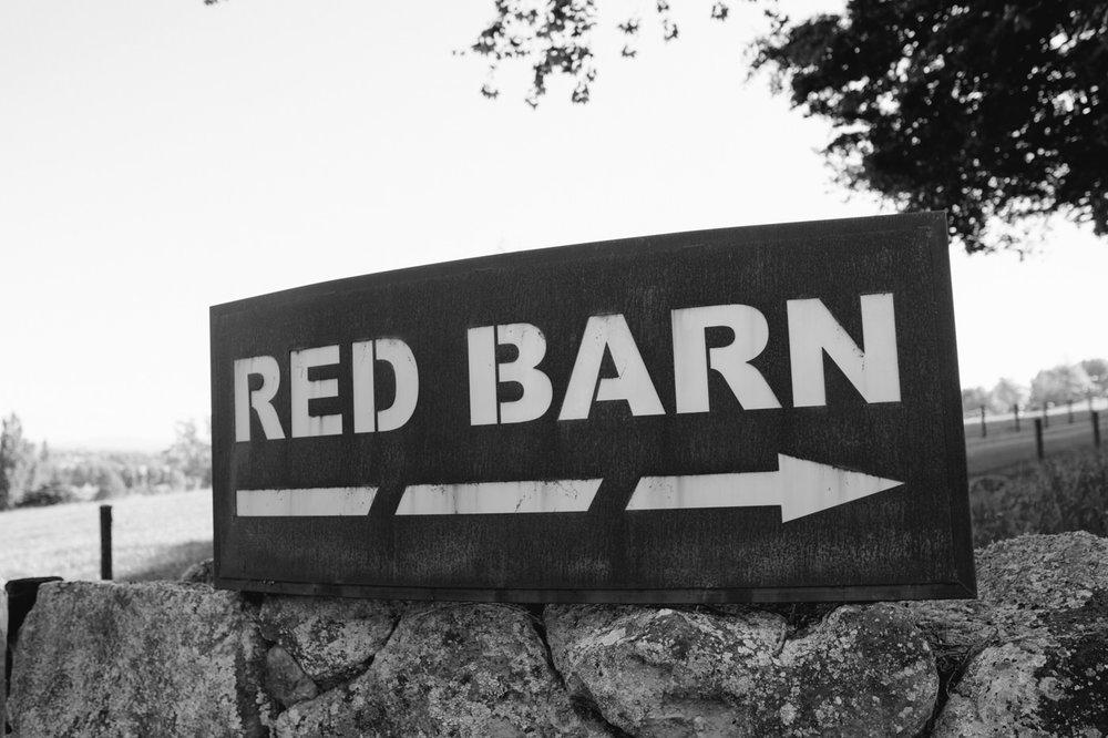 red_barn_wedding_photos-1052b.jpg