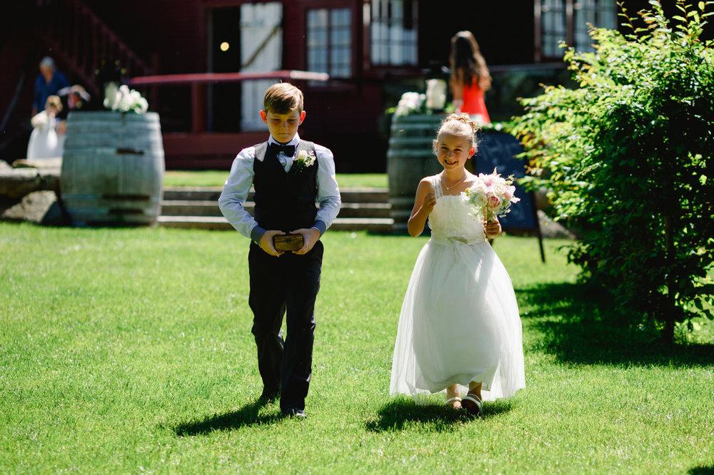 red_barn_wedding_photos-1065.jpg