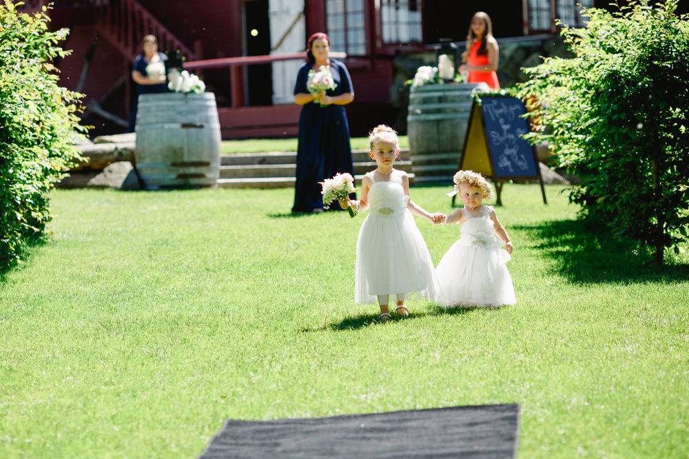 red_barn_wedding_photos-1066.jpg