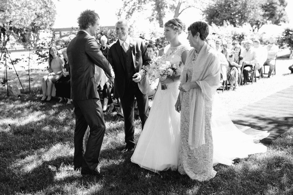 red_barn_wedding_photos-1073.jpg
