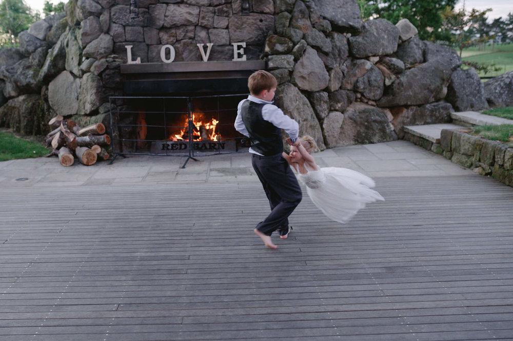red_barn_wedding_photos-1153.jpg