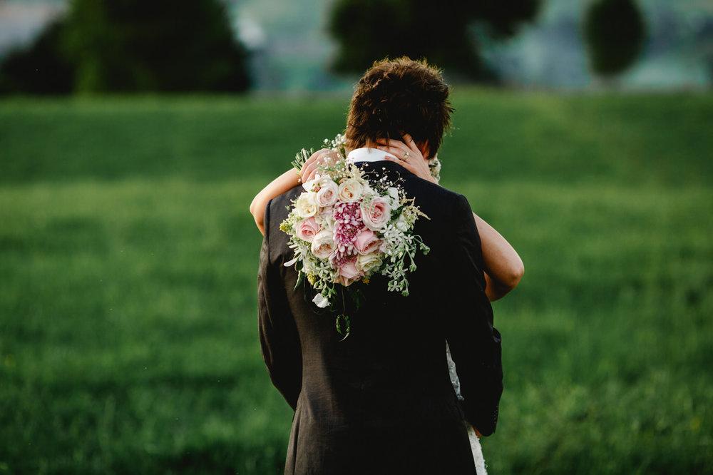 red_barn_wedding_photos-1152.jpg