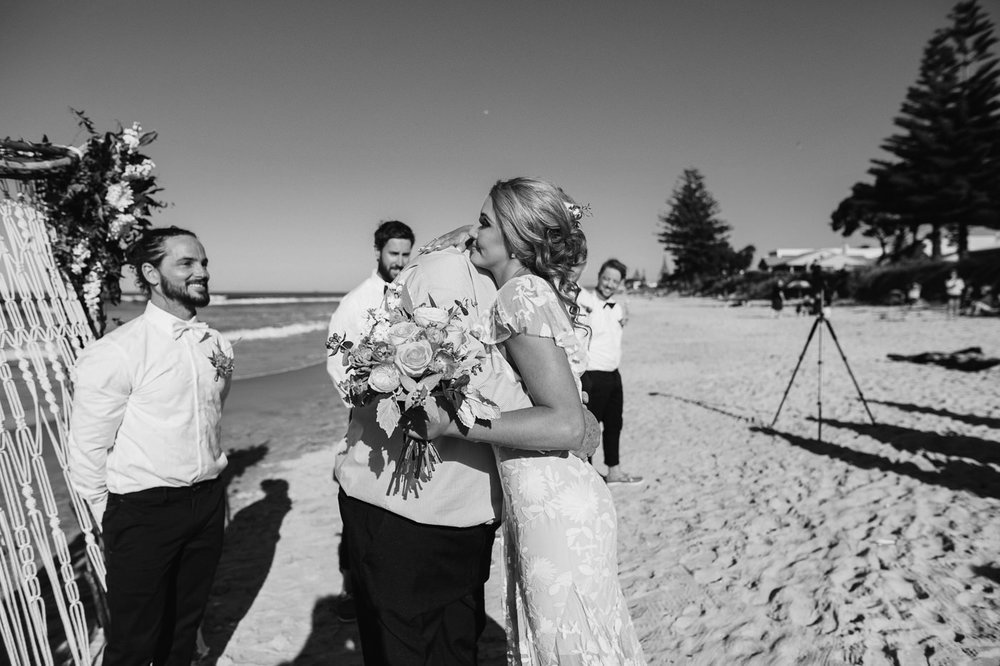 waihi_beach_flat_white_cafe-wedding_photos-1115.jpg