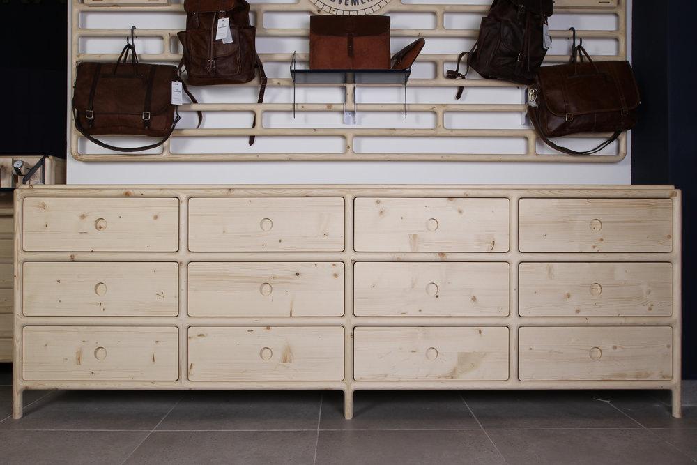 Joburg Kas David Krynauw Solid wood furniture timber hout ontwerp design cabinet cabinetry drawer laaikas sideboard
